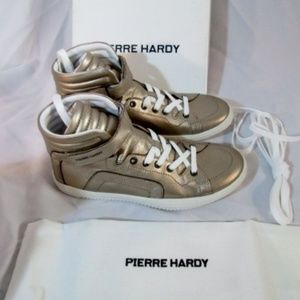 NEW Womens PIERRE HARDY GOLD GRAIN CALF Sneaker